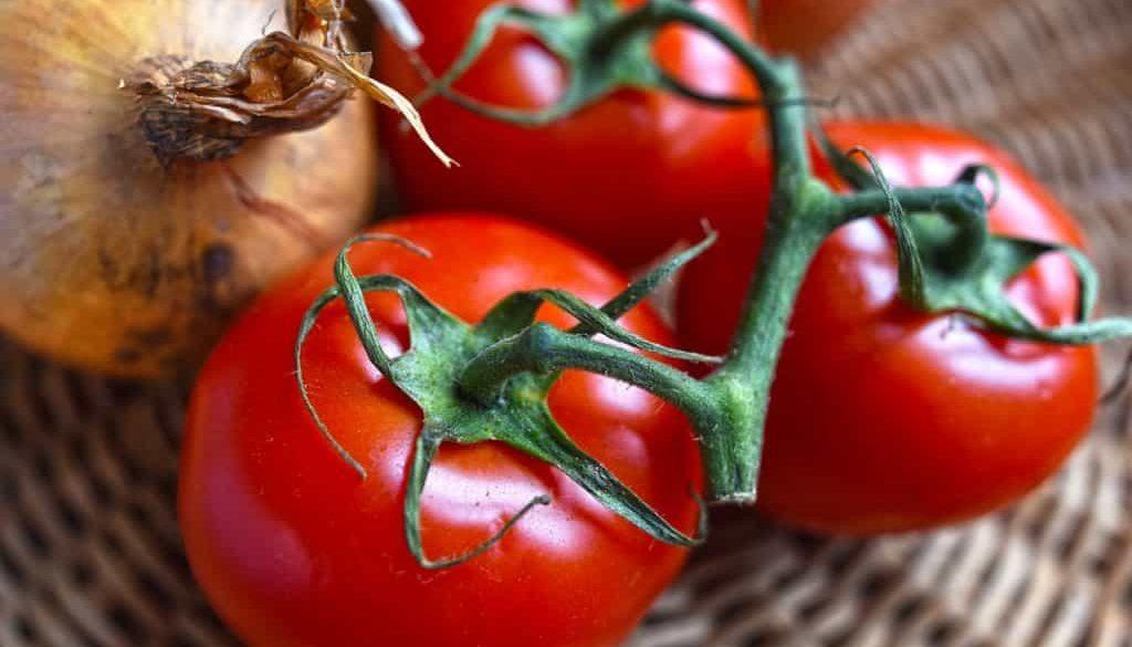 tomatoes-3478061_1280